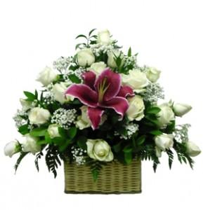 bunga-meja-mawar-putih-lily-merah