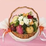 Parcel Buah Dan Bunga Sebagai Bingkisan Ungkapan Simpati Yang Sederhana dan Indah