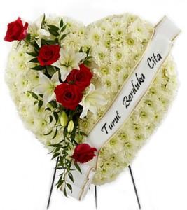 krans-standing-flower-duka-cita-bentuk-hati-putih