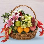 Parsel Buah Dan Bunga Sebagai Bingkisan Terima Kasih