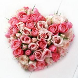 karangan-bunga-bentuk-hati-spesial-valentine-2013