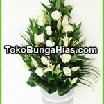 Karangan Bunga Untuk Duka Cita