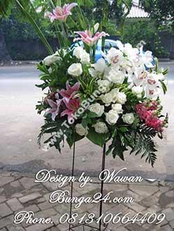 Standing Bunga Anggrek Cymbidium Ucapan Pernikahan Kirim ke Grand Kemang Ballroom
