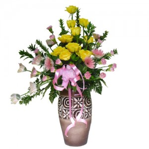 rangkaian-bunga-pot-mawar-kuning-garbera-pink