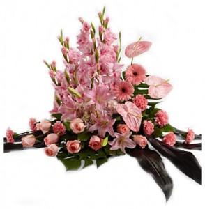 bunga-meja-duka-cita-mawar-gerbera-lily-pink
