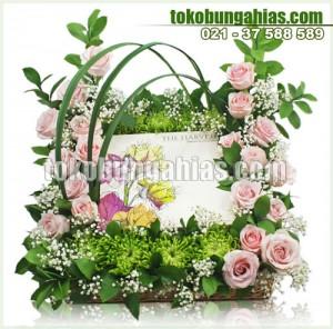 harga-harvest-cake-rangkaian-bunga-mawar