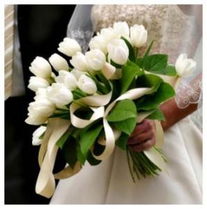 hand-buket-tulip-putih-wedding