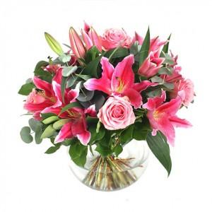karangan-bunga-mawar-lili-merah-muda-untuk-ibu-spesial-valentine-2013