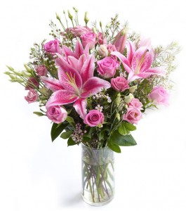 karangan-bunga-mawar-merah-dalam-vas-valentine-3