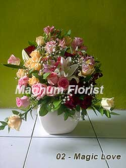 Buket Bunga Meja 02 Magic Love