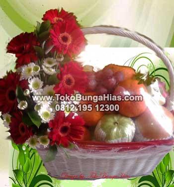 Rangkaian Bunga Gerbera dan Buah Untuk Orang Sakit di Jakarta